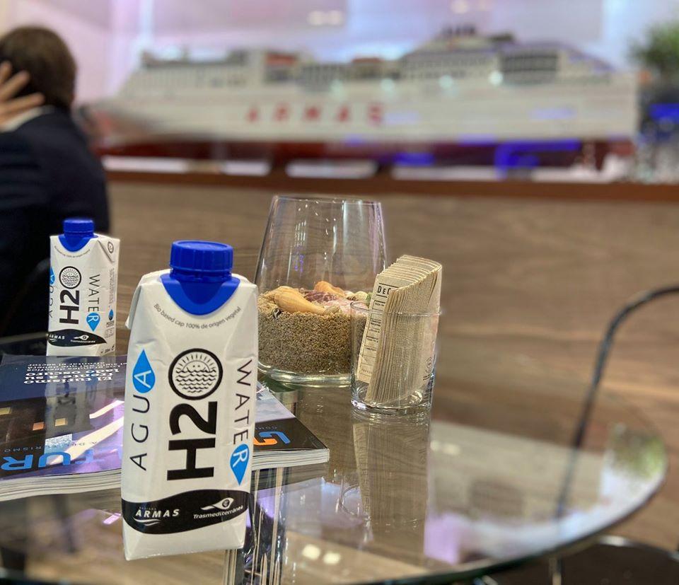 Envase de agua de cartón de Grupo Naviera Armas-Trasmediterránea